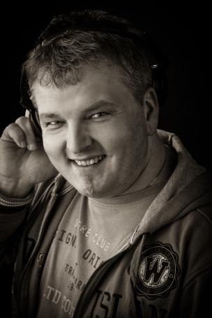DJ Lars sagt den Hörern von Radio Cottbus ein großes Dankeschön für 10 schöne Jahre .Aus internen Sachen bei Radi